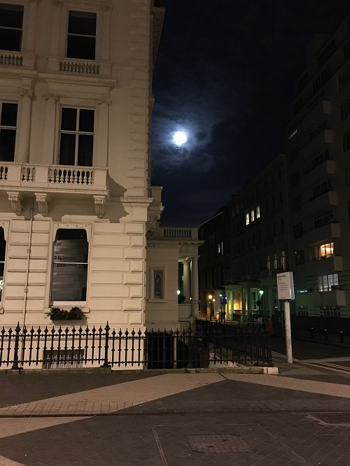 Day 5 - Moon Over London