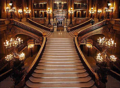 palais-garnier-04b-grand-stairway