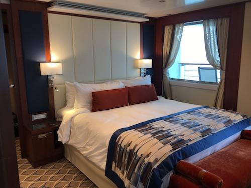900 - Bedroom