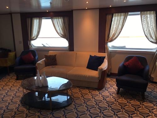 900 - Living Room
